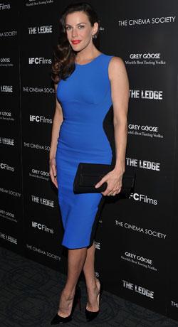 Vestido tubinho azul para festa