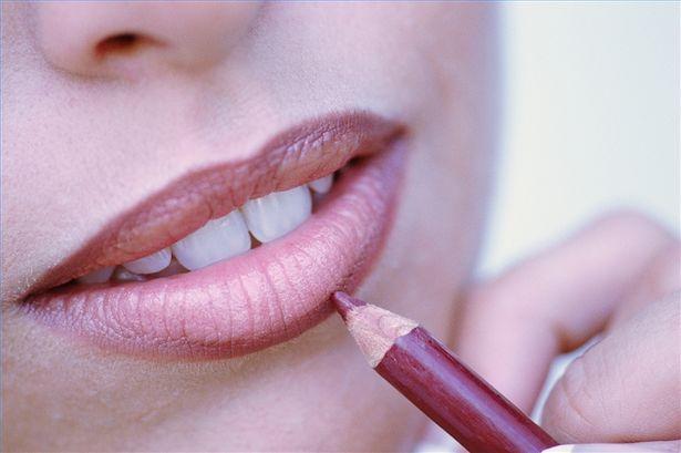 chooose-lip-liner-800x800